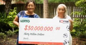 Online lottery winner Aura Canto